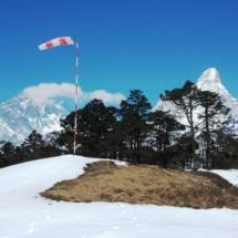 Uebungsplatz, im Hintergrund Everest und Ama Dablam